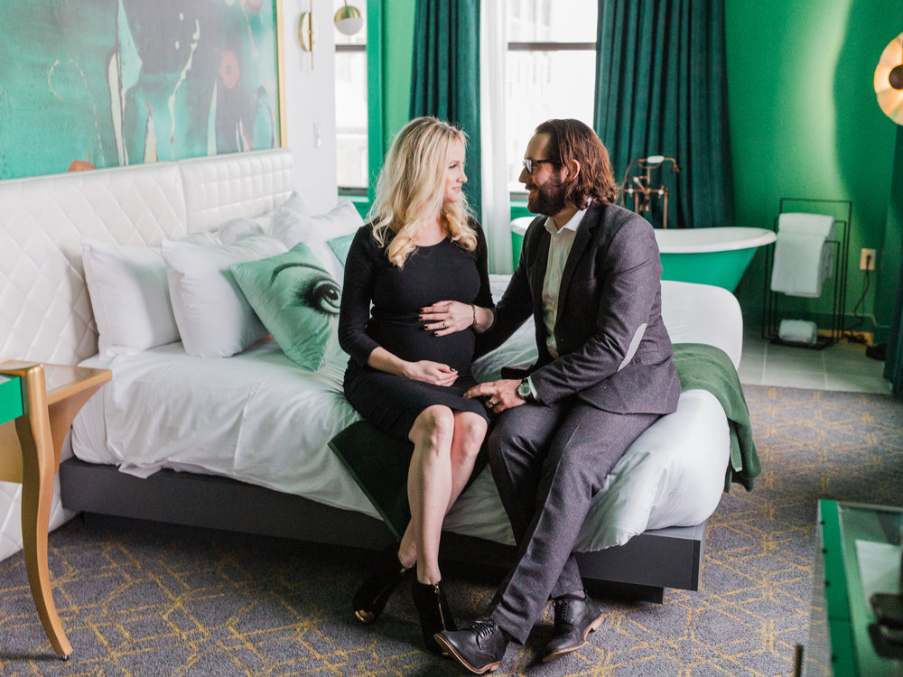 Dorothy_Louise_Photography_Downtown_St.Louis_Maternity-6196.jpg