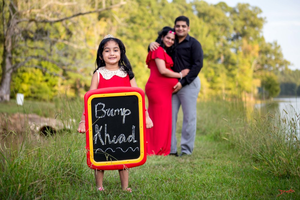 Maternity Photographer with Family in Memphis Collierville TN.jpg