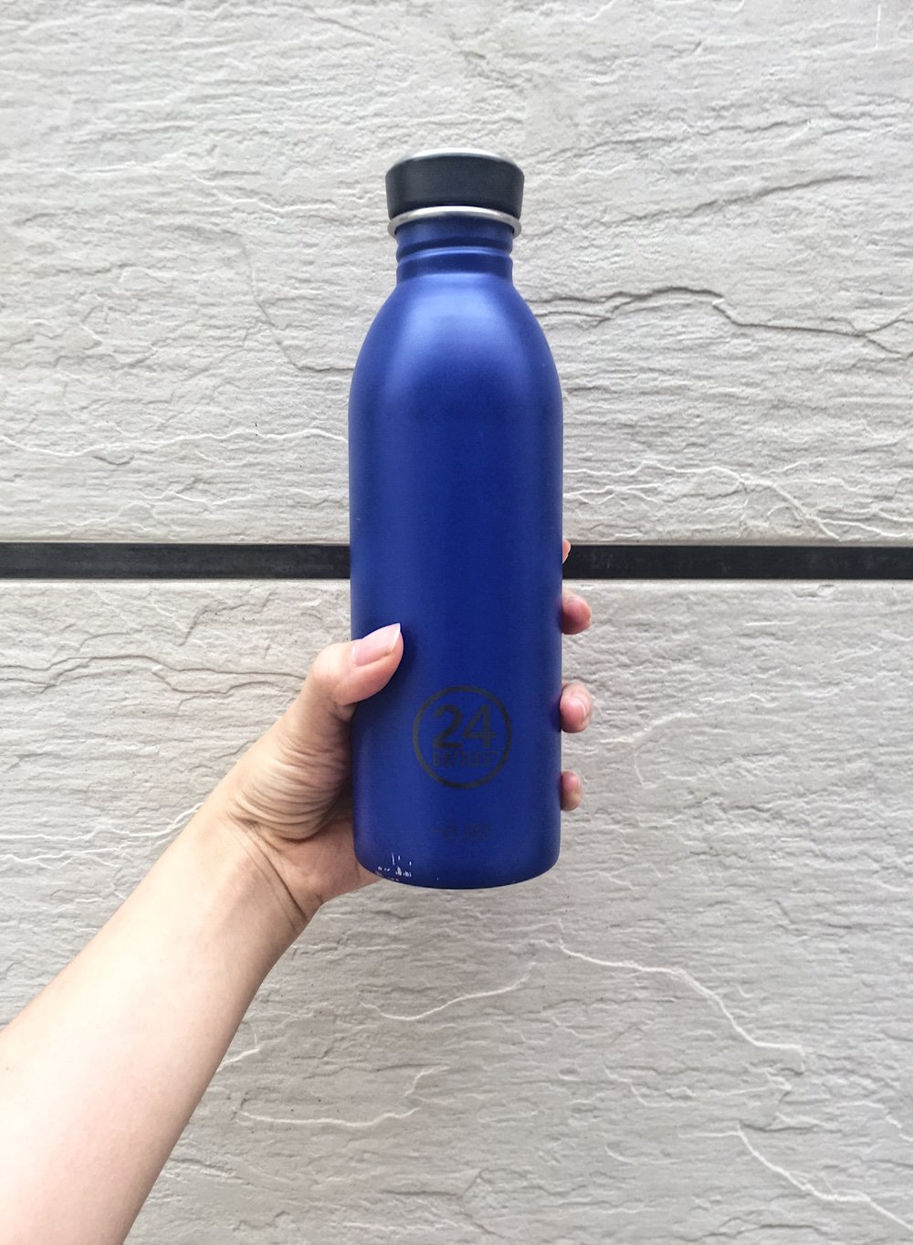 Why I BMOB*? - The only reason you aren't bringing your own water bottle is because you haven't found one that you like. Here's a review of this water bottle that I've got for the past month.This post is originally an IG post but I thought this would be a good one for the blog too!(*Bring My Own Bottle - lol i just coined this word like 5 mins ago)