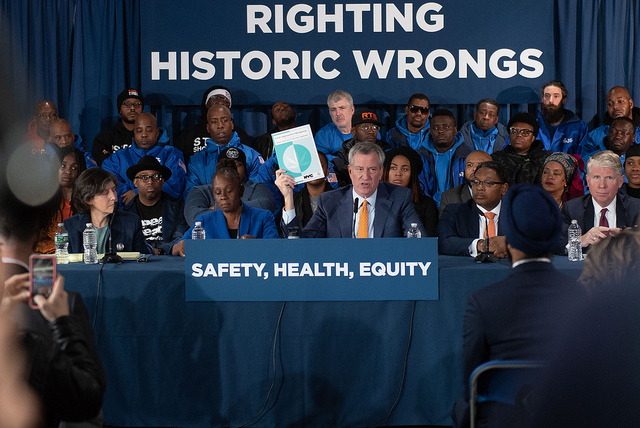 Mayor Bill de Blasio with his wife Chirlane McCray, announcing his support of marijuana legalization in Washington Heights (Michael Appleton / Mayor's Office)