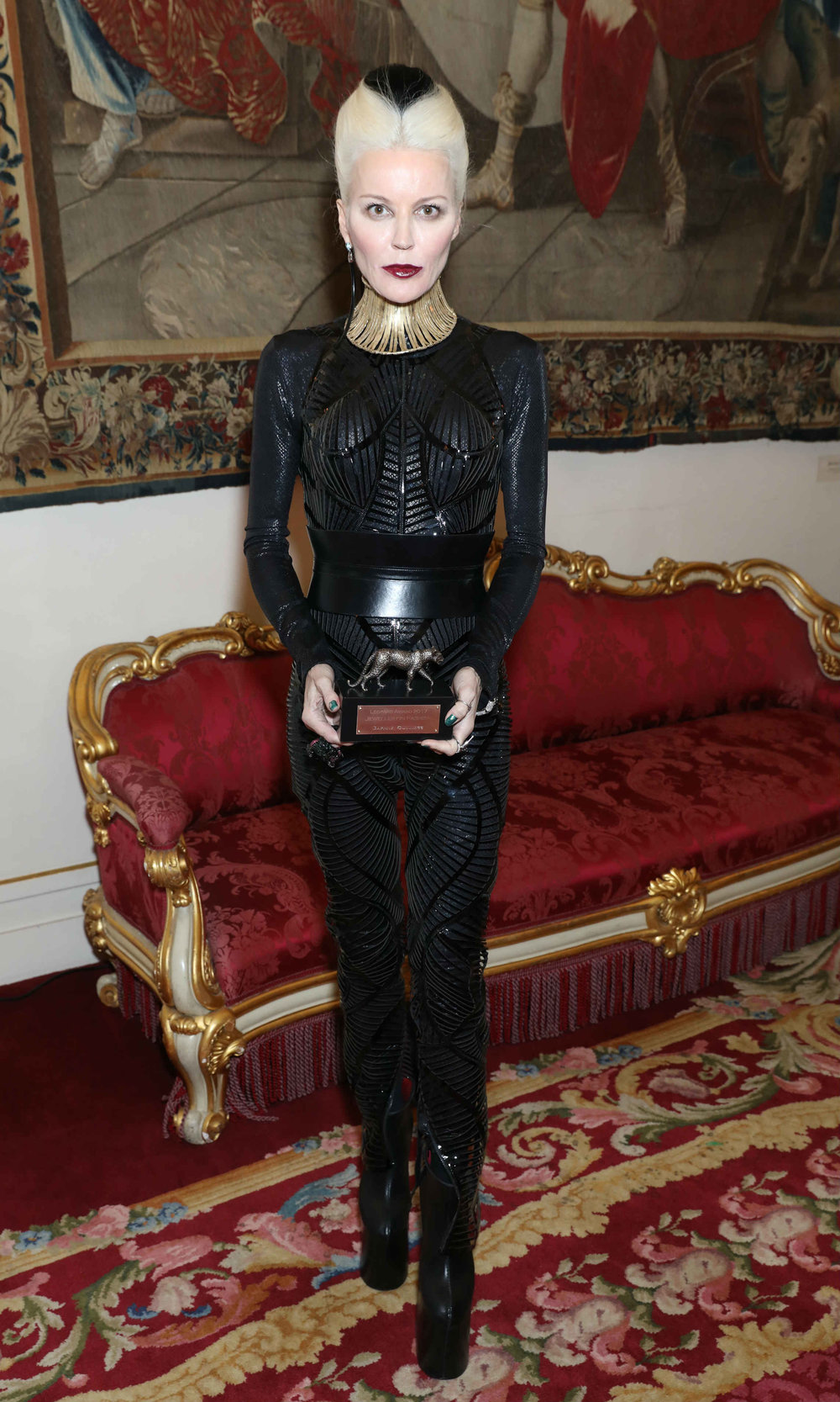 daphne-guinness-leopard-award-1.jpg