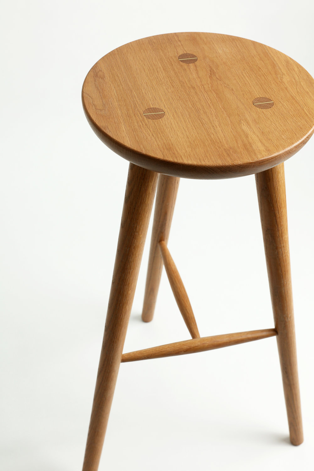 Flat Top.Brass details. Tapered Legs. -