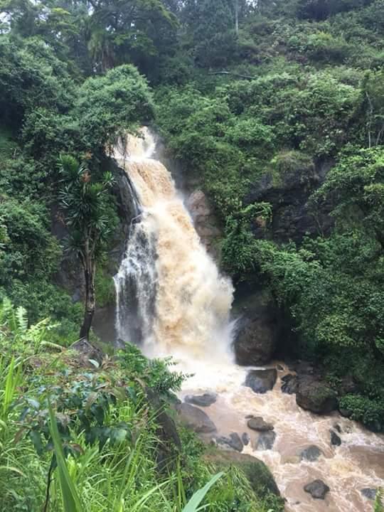 Oinga falls
