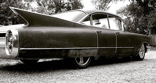 - tail fin Friday  #cadillacdolly is #homesweethome