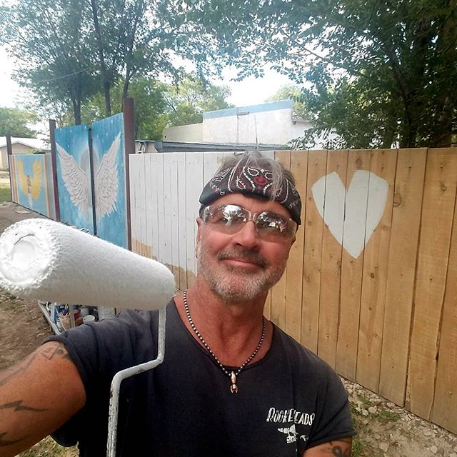 - just over here priming... with love! getting the next 24' #estanciaangel mural panel ready. go give @esatanciaangelpark a follow and watch this fabulous art unfold. thank you --🖤--