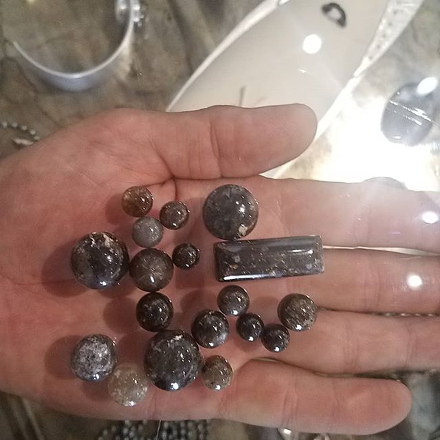 - after - before - and finely loved. 1.2.3.  #blackarrowagate - #rocketjewels for sale. @popgallery505 - santa fe - @gregmoonart - taos -  it's a labor of love - ask any gem stone cutter about cabbing black agate - diamonds are the only stone harder. studio cut stones - studio fabricated finished works. --🖤-- thank you