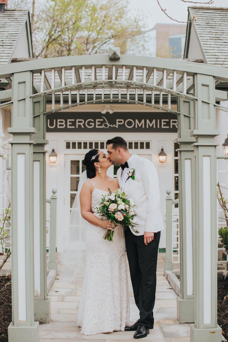 Auberge-du-pommier-wedding-toronto-scandaleuse-photography-31.jpg