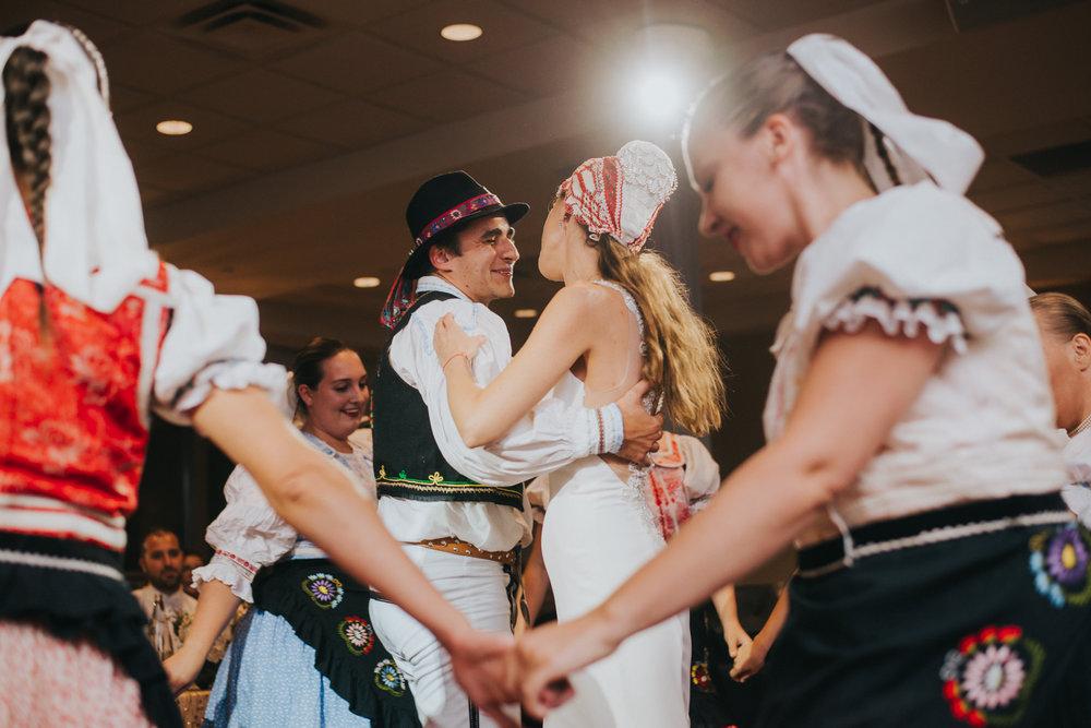 sandy-jana-copper-creek-golf-club-slovak-wedding-toronto-scandaleuse-photography-weddings-43.jpg