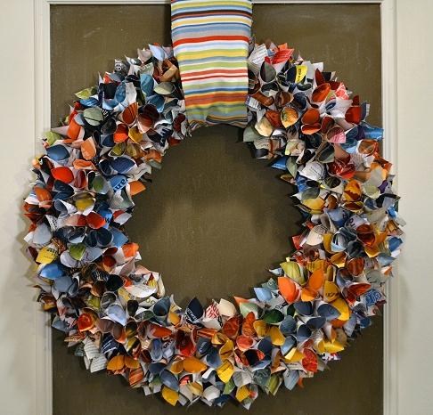 upcycled-magazine-wreath-8.jpg