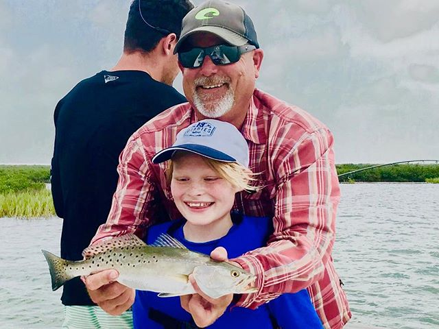 It was young Dash's first time on the Ocean. Always fun to take a kid fishing . . . #flyfishing #fishing #fishingtrip #passion #adventure #outdoors #fishinglife #texas #texasfishing #ktdiaries #wepursuit #onthefly #fishingrod  #fish #trout #tarpon #redfish #jackcrevalle #fish