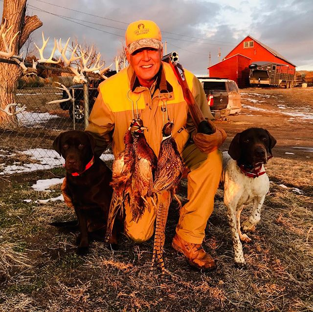 Caught up with old friend Tom O'Neill and his dogs Bailey and Rudy for a late season hunt. POC redfish and Devils River Bass are next on the agenda. . . . #hunting #upland #uplandhunting #birddogs #pointersofinstagram #wepursuit #outdoors #nebraska #pheasant #pheasanthunting #birdhunting #adventure #ktdiaries #shotgun