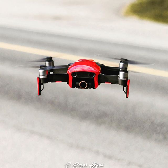 Love capturing footage with this little guy! Follow my drone adventures! #djimavicair #dji #mavicair #mavic #drone #quads #droneporn #dronestagram #dronefly #quad #red #capture #rogeroyen #follow #norway #fly #explore #create