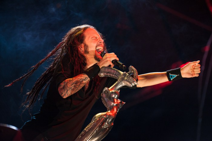 Korn-Jonathan-Davis.jpg