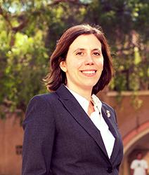"""""""Konklusjonen fra forskningen er at næriingsliv som retter seg mot publikum er et effektivt virkemiddel for å få ned kriminaliteten, også når det er cannabisutsalg vi snakker om,"""" sier forsker Mireille Jacobson ved University of California Irvine"""