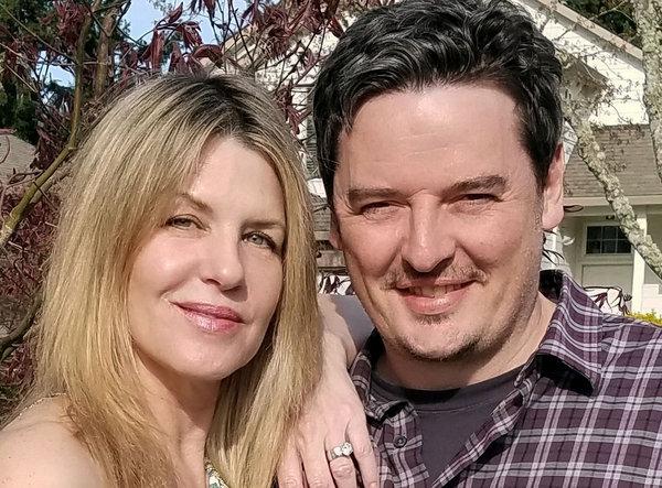 Psykologene Tom og Sheri Eckert leder kampanjen for å kunne bruke psilocybin i behandlingen av pasienter med blant annet angst.