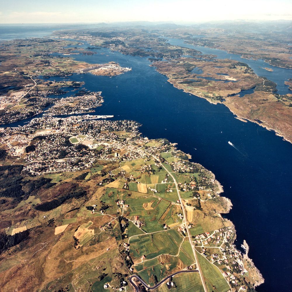 """Nordvegen"" the narrow strait between Karmøy and the Mainland."