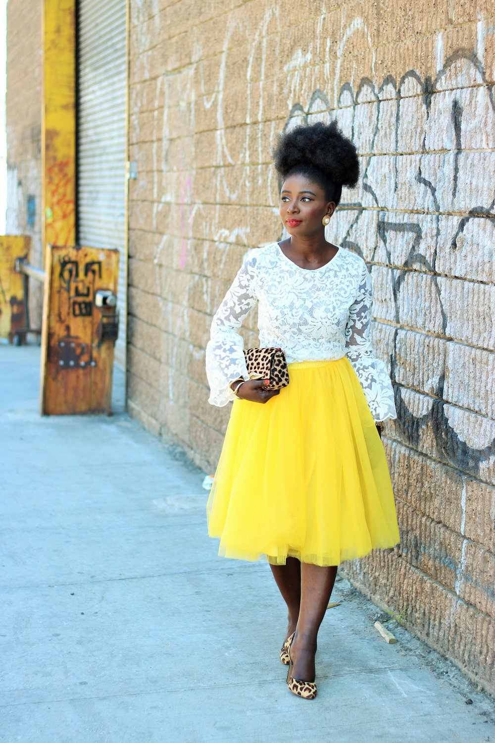 White-And-Yellow-Outfit-Ideas