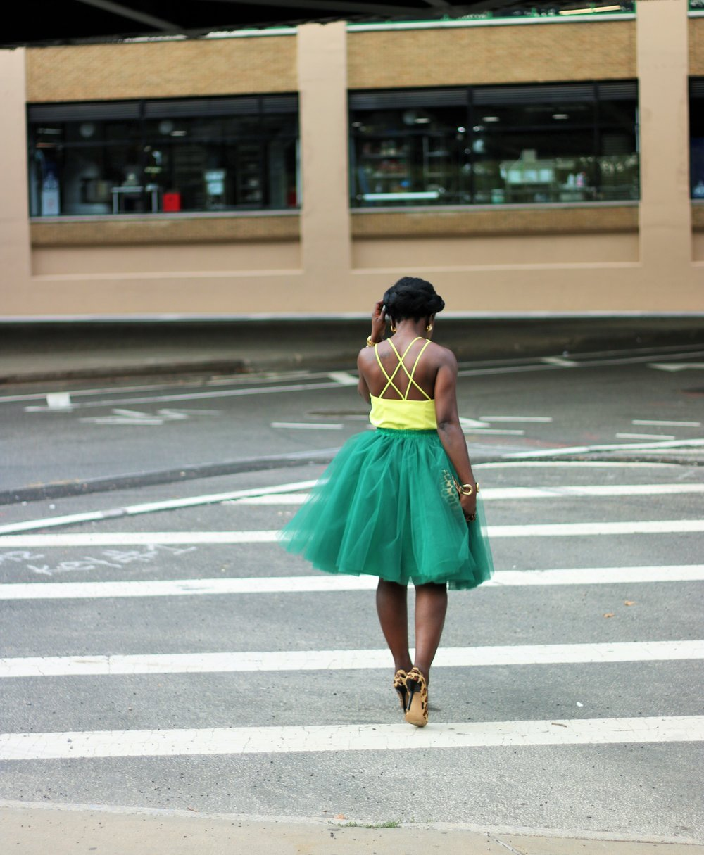 Yellow-And-Green-Outfit-Ideas