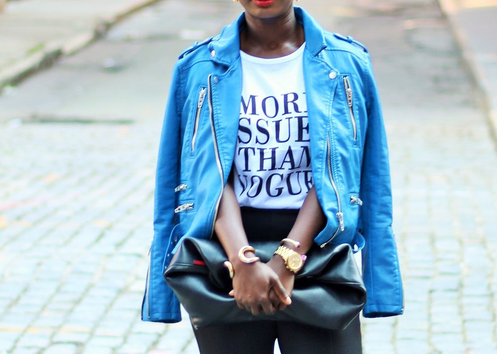 Graphic-Tee-And-Leather-Jacket-Outfit-Ideas
