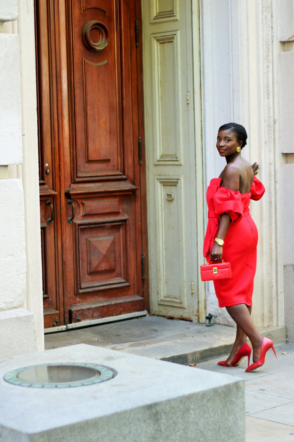 Red-Off-The-Shoulder-Dress-Outfits