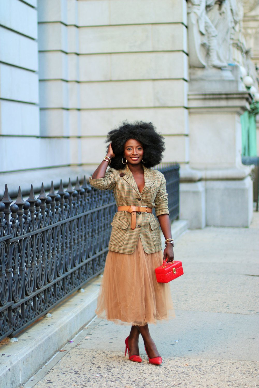 Belted-Plaid-Blazer-Outfit-Ideas