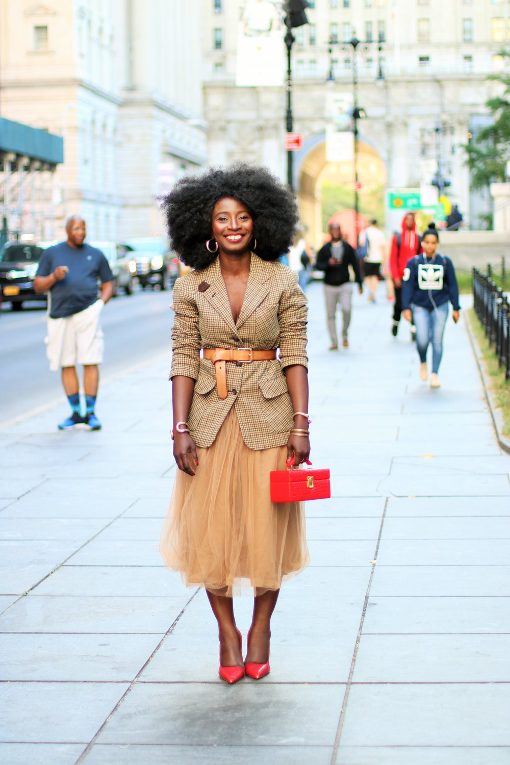 Street-Style-Belted-Blazer-Outfits