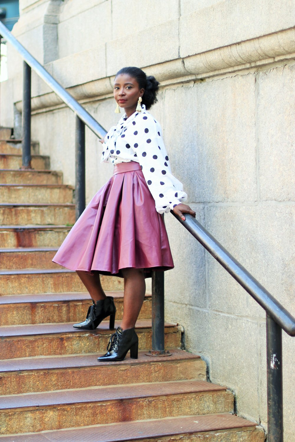 what-to-wear-with-a-maroon-skirt