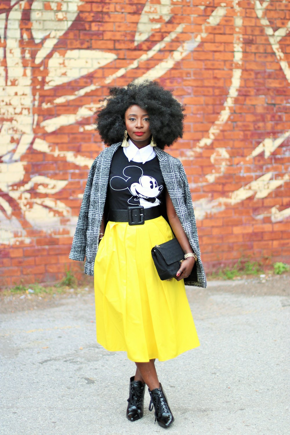Street-Style-Plaid-Blazer-And-Skirt-Outfits