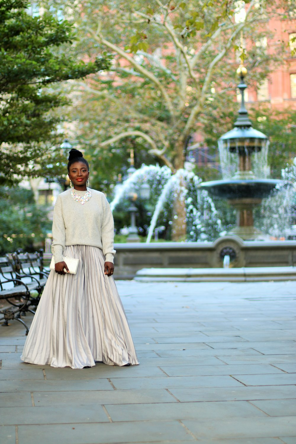 Pleated-Maxi-Skirt-Outfit-Ideas