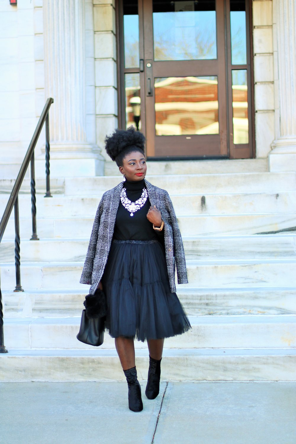 Plaid-Blazer-and-Tulle-Skirt-Outfit-Ideas
