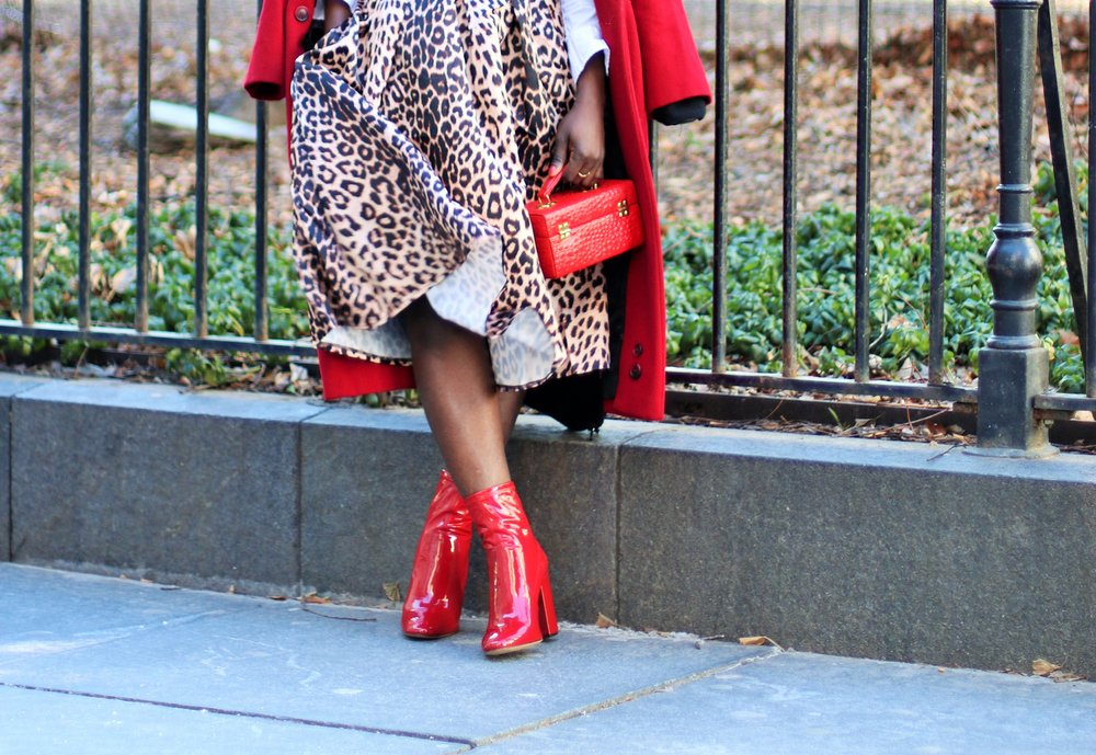 Red-Ankle-Boots-Outfit-Ideas