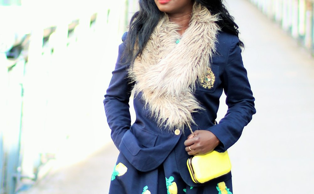 Navy-And-Yellow-Outfit-Ideas