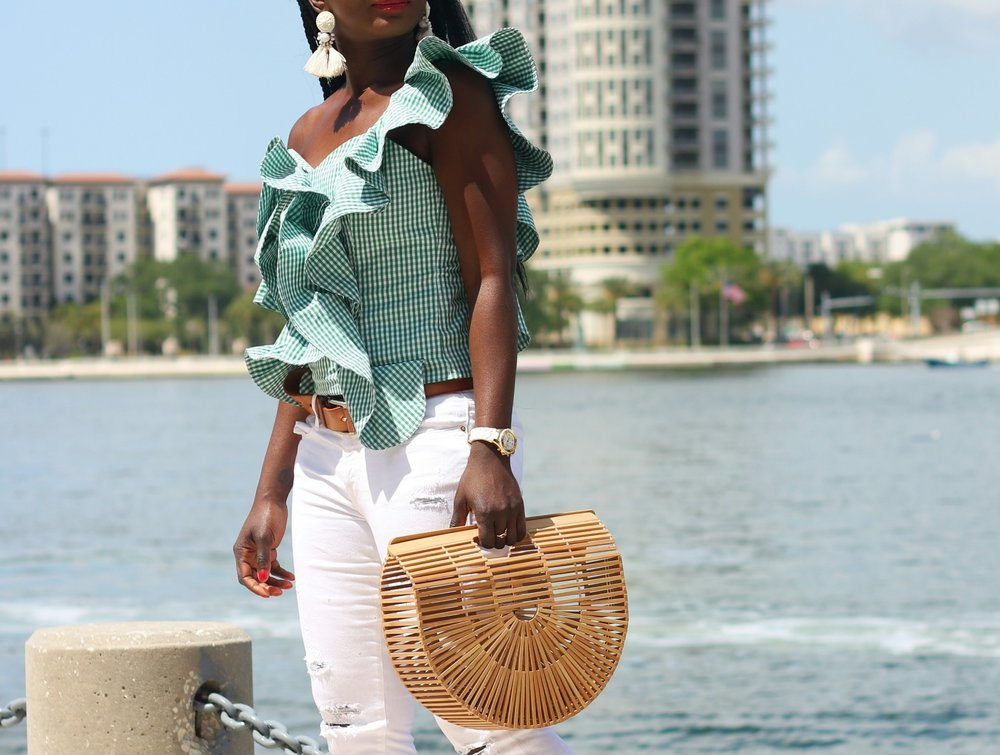 Gingham-Ruffle-Top-Outfit-Ideas