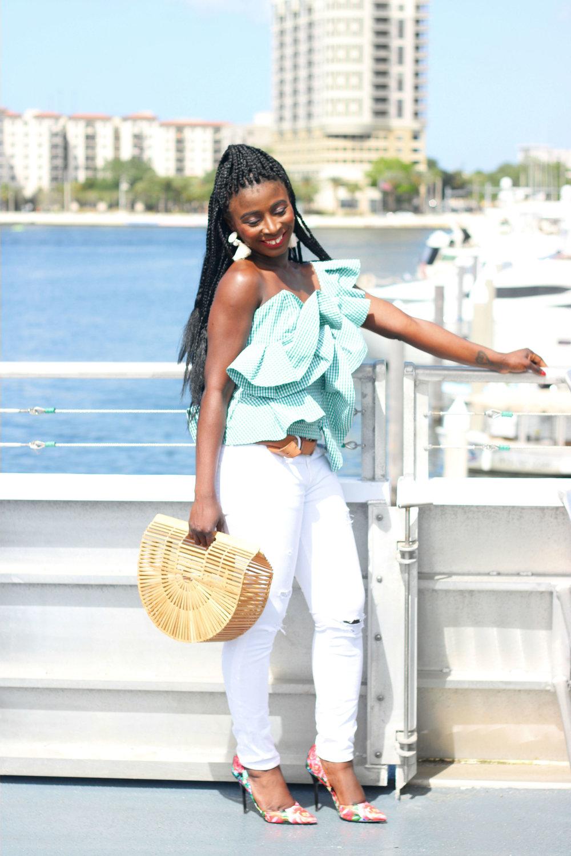 White-Denim-Outfit-Ideas