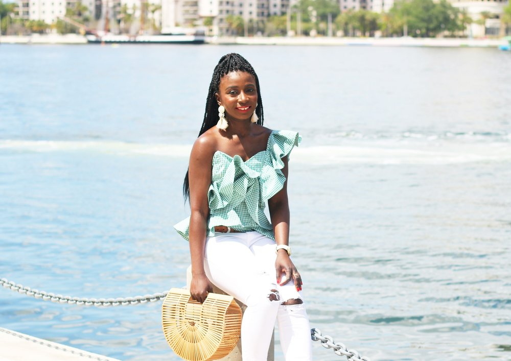 Ruffle-Tops-Outfit-Ideas