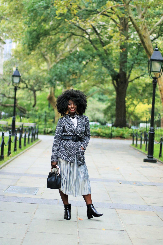 Pleated-Midi-Skirt-Outfit-Ideas