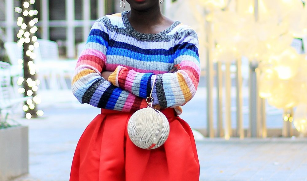 How-To-Wear-Rainbow-Stripes-Sweater