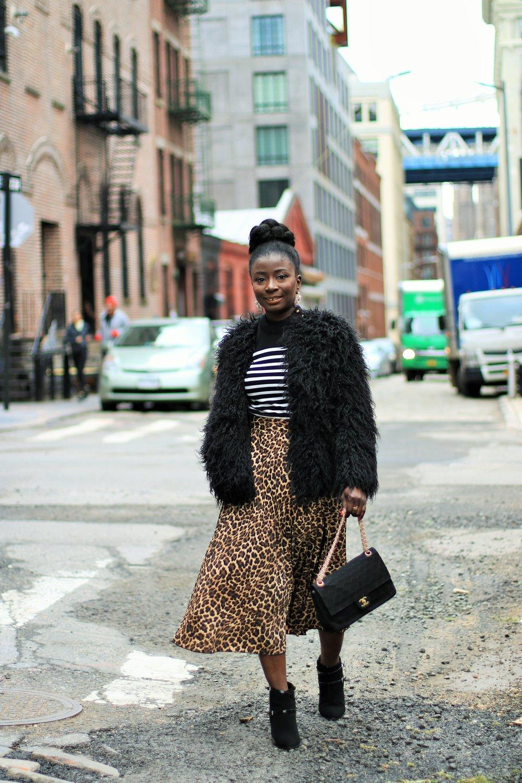 how-to-wear-a-leopard-print-skirt