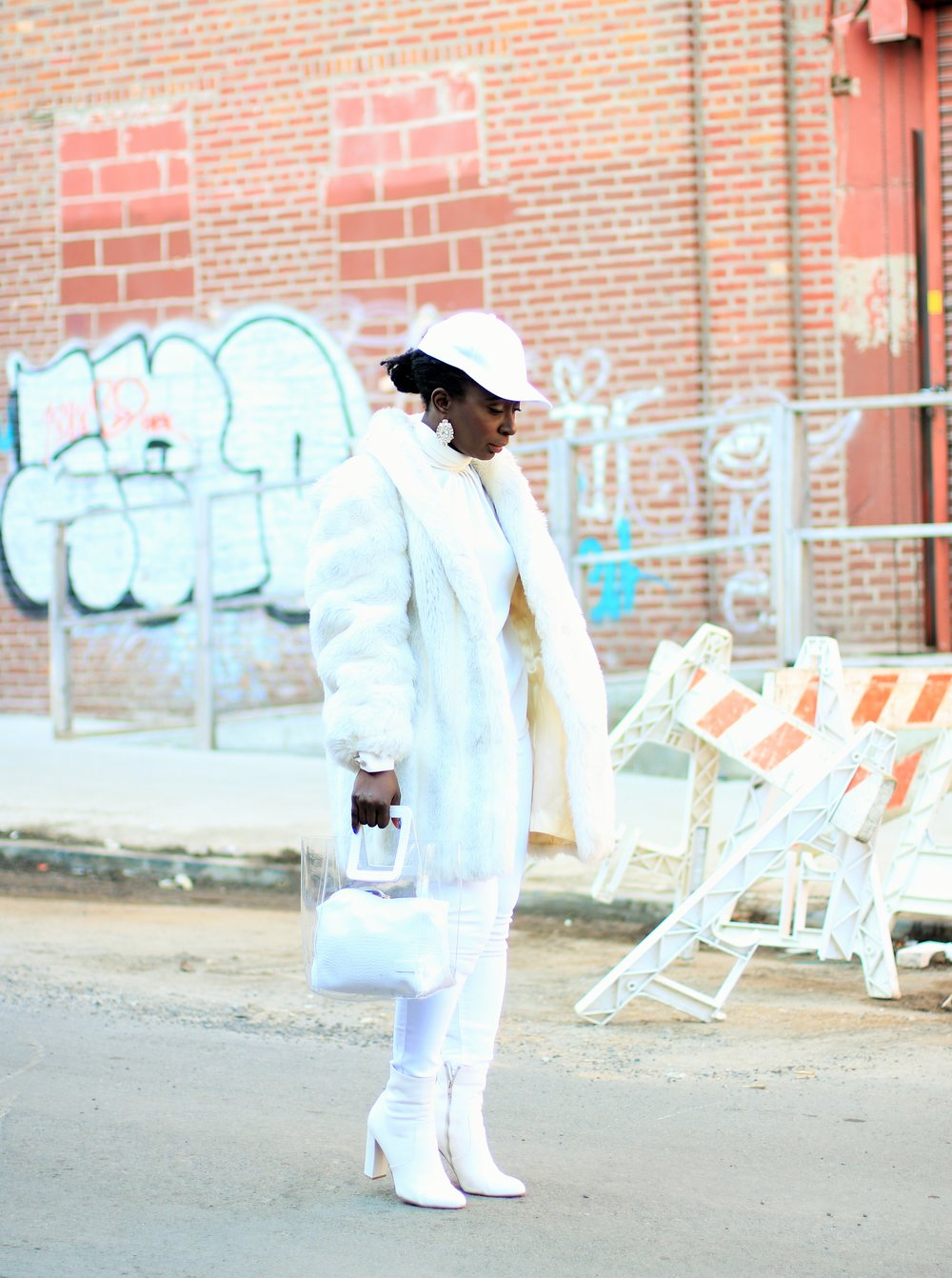 all-white-street-style-outfits
