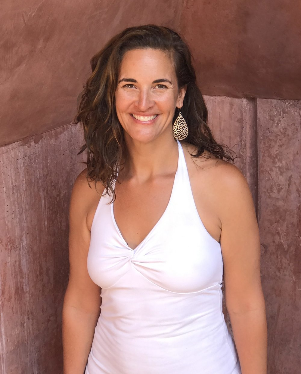- On this episode of She's All That, we talked with Rachel Peters, who runs www.easefullivingcommunity.com.  According to Rachel, easeful living means living according to rhythms that expand our sense of time, allowing us to be more effective with a lot less stress. We talk with Rachel about her path from yoga instructor to easeful living maven, why she's so inspired by yoga and Ayurveda, and ways we can start living more easefully right now.