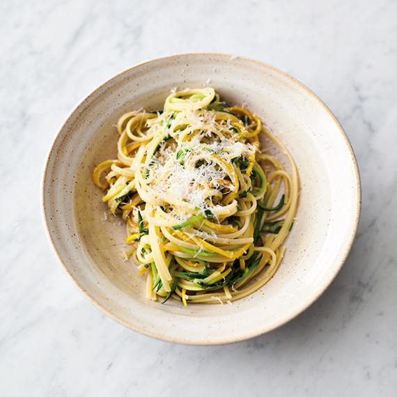 Jamie-Oliver-5-ingredients-quick-and-easy-recipes-Lemony-courgette-linguine-2.jpg