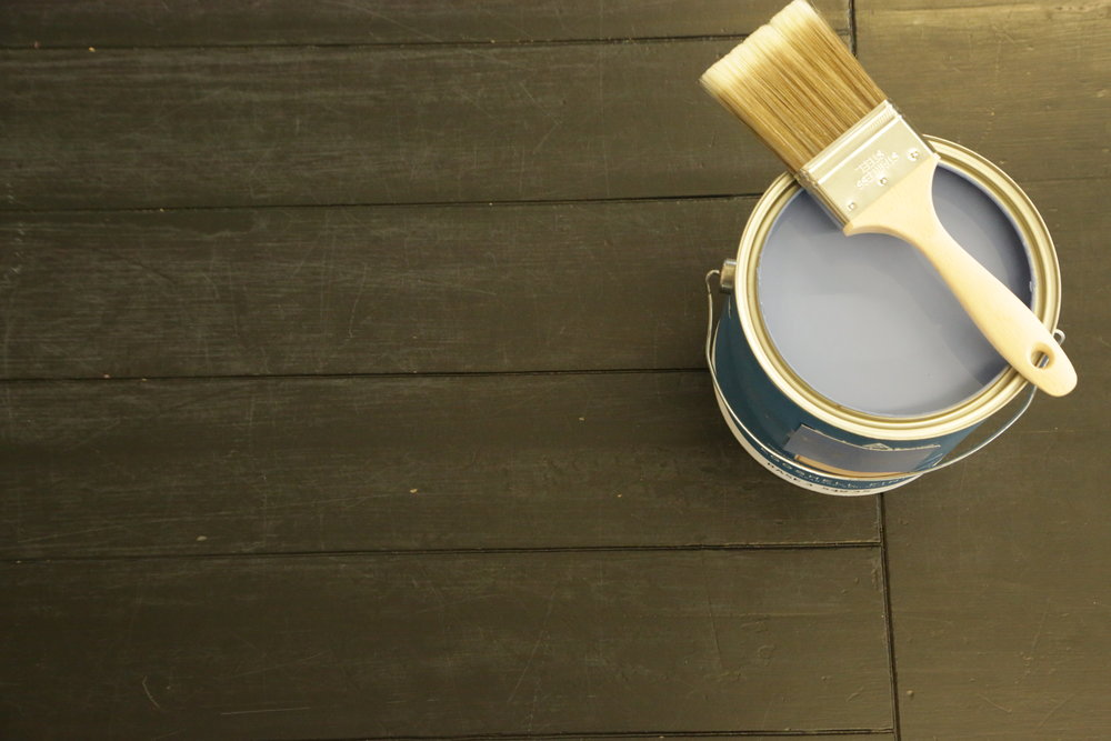 Benjamin moore paint with paintbrush