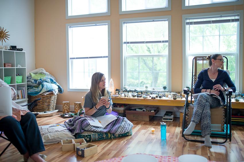Silke's Art Chakra class w April 17-8.jpg