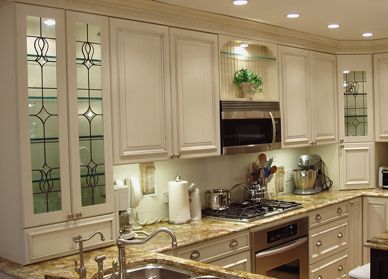 Glass kitchen cabinets white