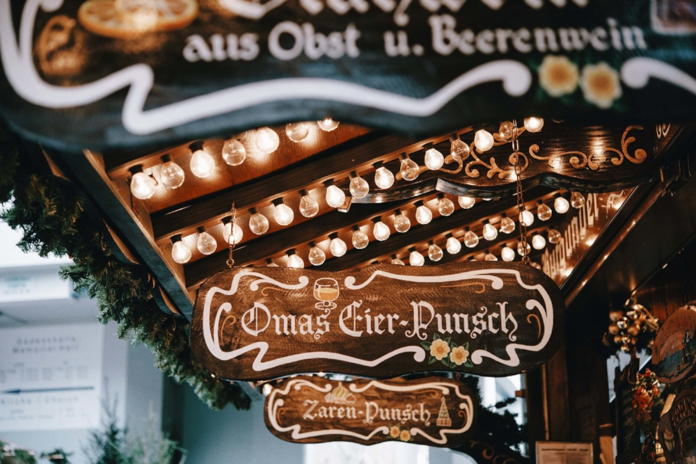 Lübeck Christmas markets serving mulled wine & punch