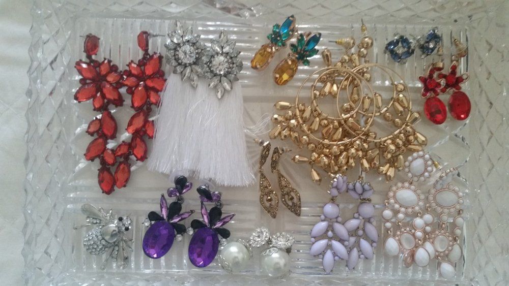 FOTF earrings and brooches of the moment