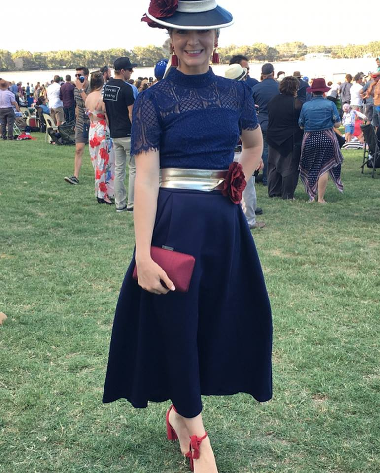 Karrissa won Best Dresssed Lady at the Dongara Races wearing a stunning navy blue ensemble with our champagne gold reel him in belt! Well done Karrissa xoxo