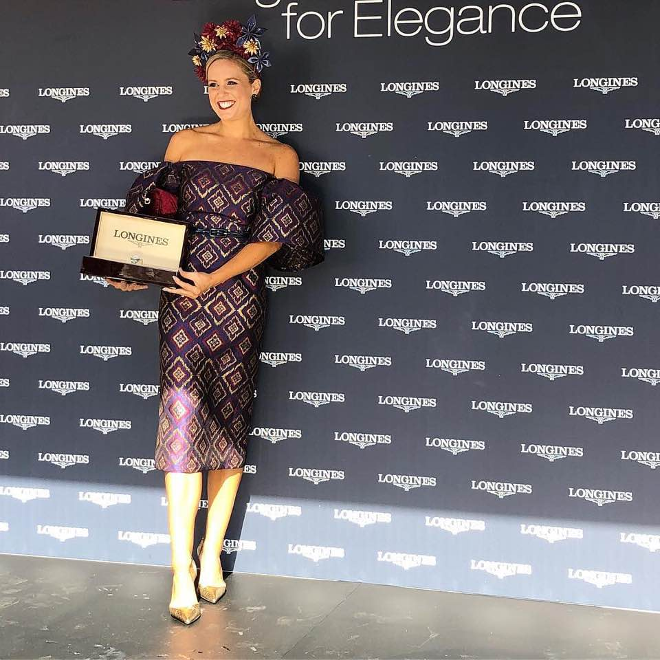 Alice Bright looking a absolute knock out in this off the shoulder and Autumn appropriate number. Alice won the Longines Elegance award.