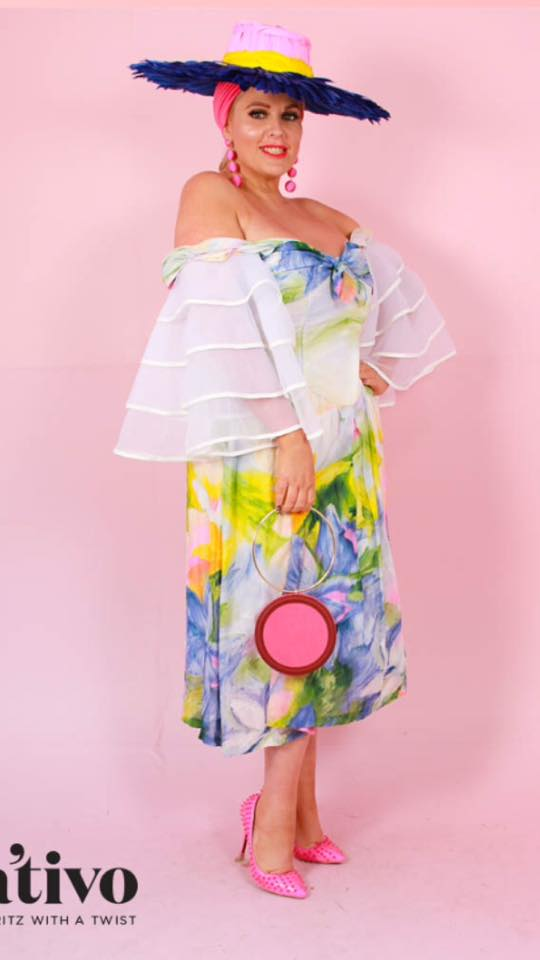 Marnie Monroe never fails to dazzle us with her dramatic and colourful FOTF style