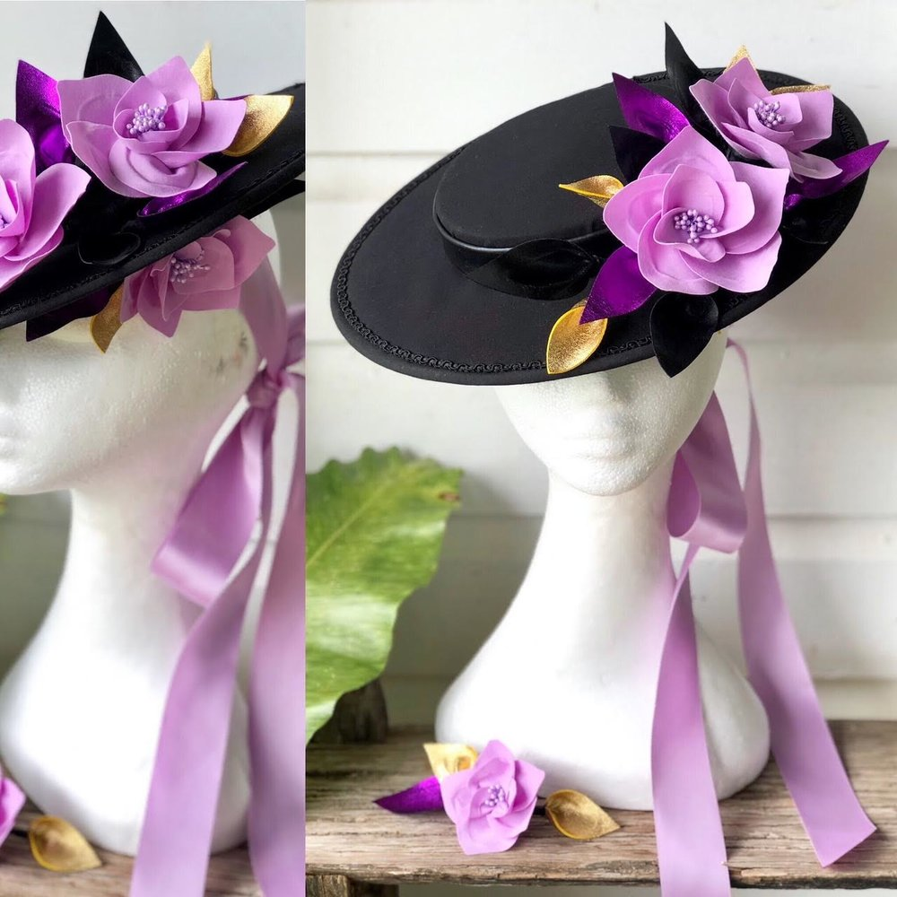 How absolutely stunning is the contrast between black and lilac - dreamy